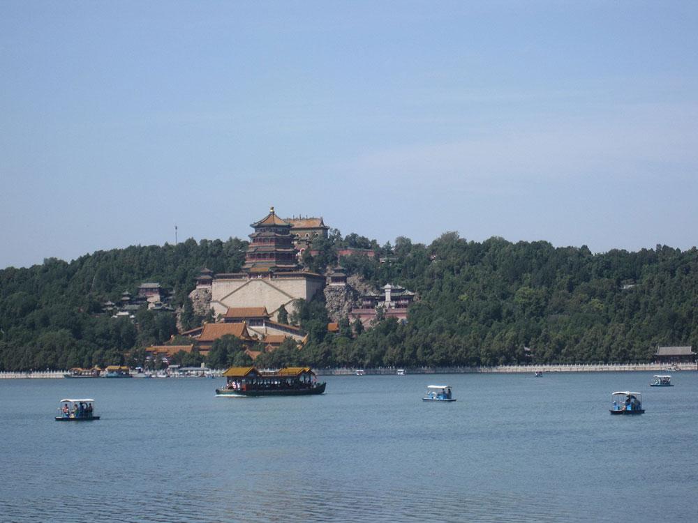 Летний дворец, катамараны на озере Куньмин-
