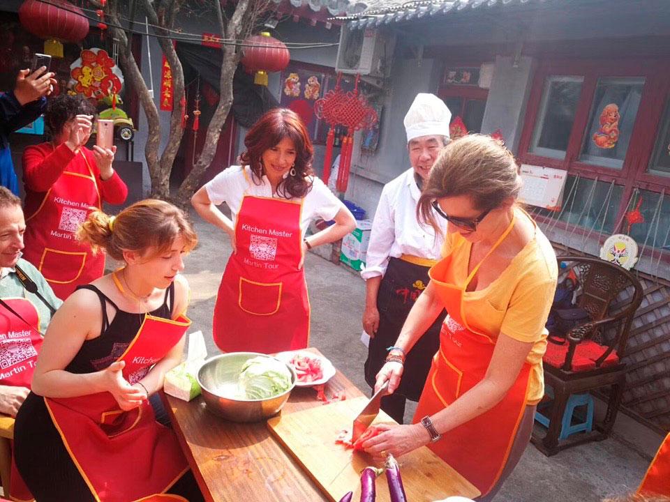 Одно из развлечений в районе хутунов – приготовить национальный китайский суп самостоятельно