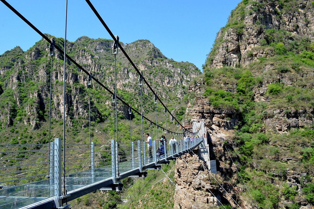 Мост из стекла