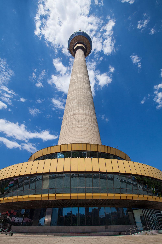 Высота телебашни в Пекине 405 метров