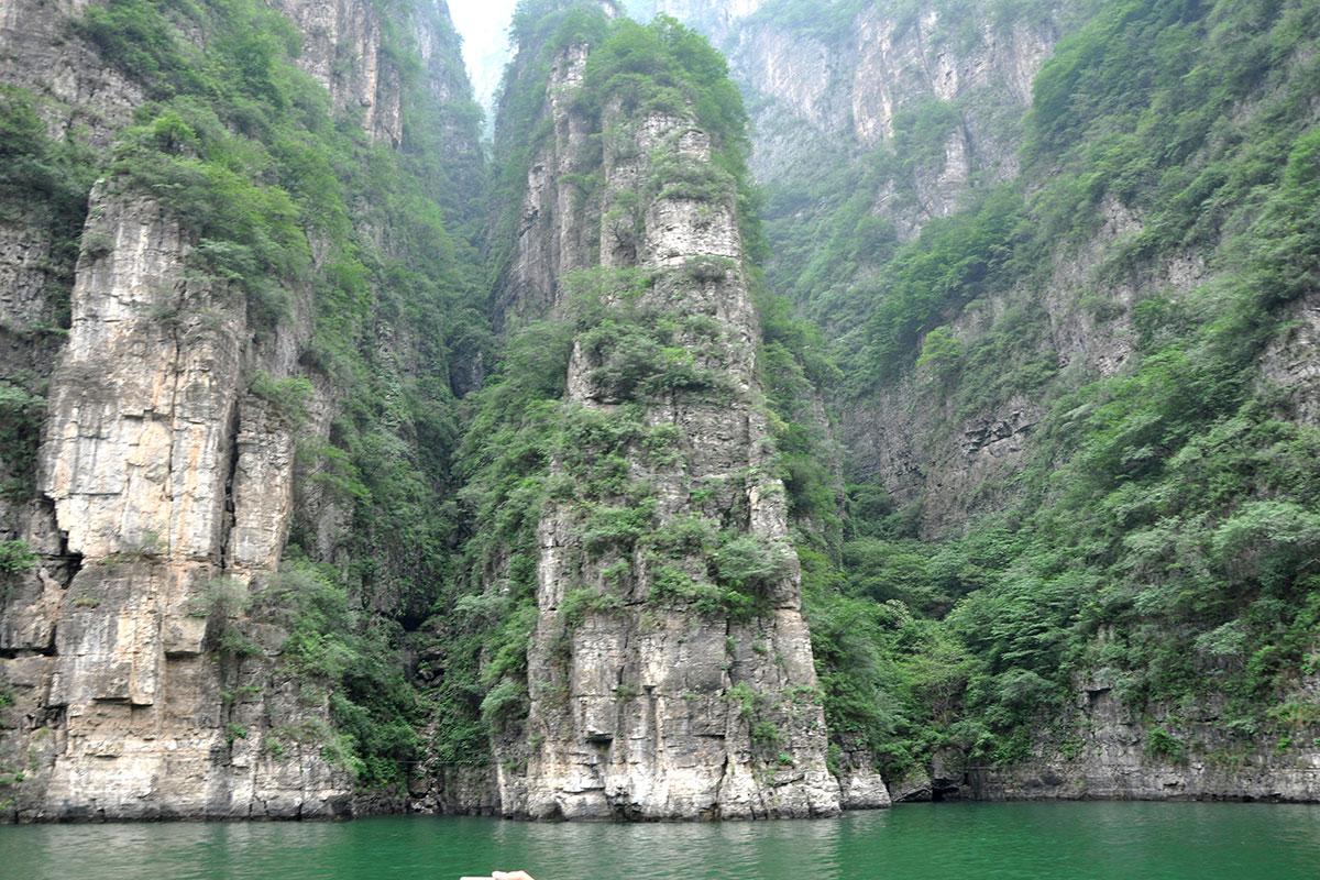 Скалы Ущелья Дракона в Пекине
