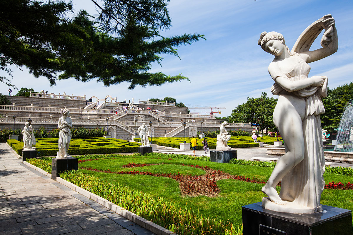 Пекин Парк Мира: скульптуры со всего мира