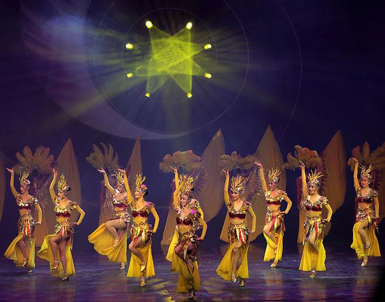 Шоу Золотая Маска в Пекине